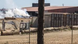 La actividad en la carbonera no cesaba el pasado sábado