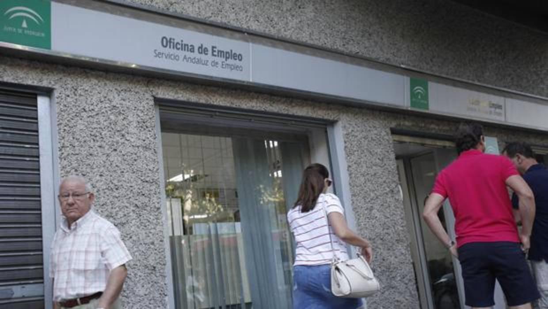 Susana d az ordena m s control de los fondos del servicio for Oficina de empleo sevilla