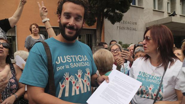 El médico Jesús Candel amenaza con una manifestación el próximo 15 de octubre.