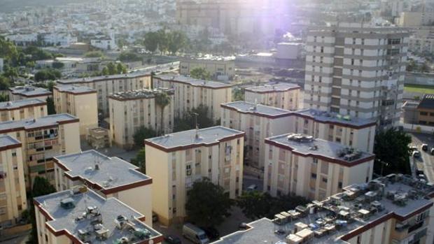 Una explosi n de gas deja cinco heridos en el barrio for Gas natural malaga