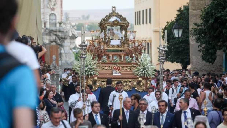 La virgen del tr nsito reaviva la devoci n centenaria por - Persianas lavirgen cordoba ...