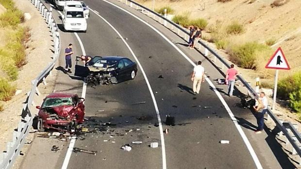 Estado en el que han quedado los vehículos tras el choque mortal en Alcaudete