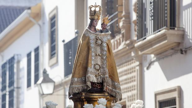 La Virgen de la Fuensanta, durante un traslado a la Catedral