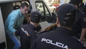 Un testigo sitúa al acusado del doble crimen de Almonte fuera de su trabajo