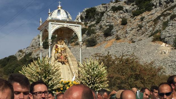 La Virgen de la Sierra, durante su bajá