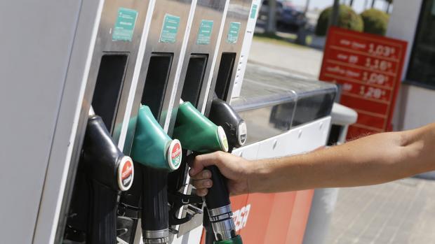 Los carburantes son uno de los factores que explican la subida de los precios en Córdoba