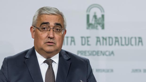 El consejero de Economía y Conocimiento, Antonio Ramírez, en rueda de prensa