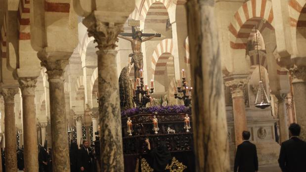 La Expiración, en el interior de la Mezquita-Catedral