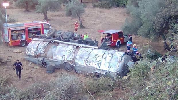 El accidente ha tenido lugar en la entrada de Aracena, en la carretera N-433