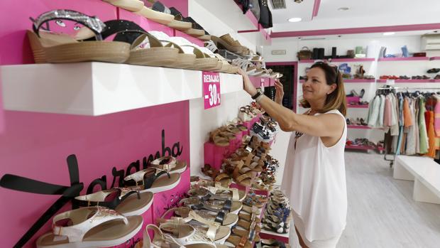 Imagen de una tienda de moda y calzado en la ciudad de Córdoba