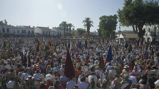 La Matriz representa a 119 hermandades filiales y 60 asociaciones rocieras de toda España