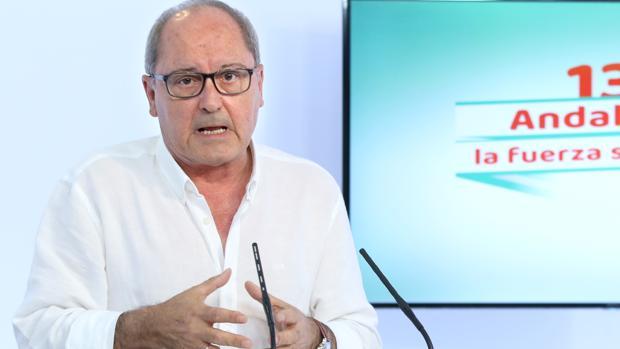 Juan Cornejo en rueda de prensa