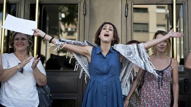 Juana Rivas saliendo del Juzgado de Granada