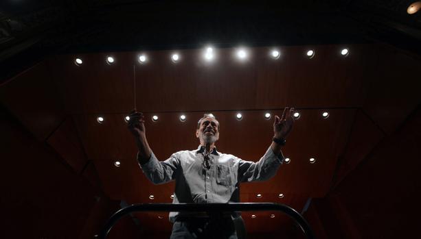 Brouwer, en el ensayo del concierto