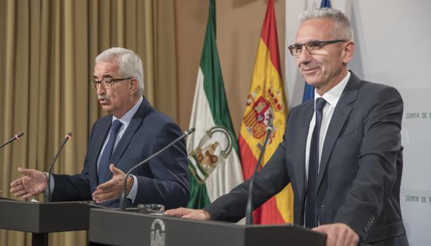 El vicepresidente Manuel Jiménez Barrios y el consejero de Cultura, Miguel Ángel Vázquez