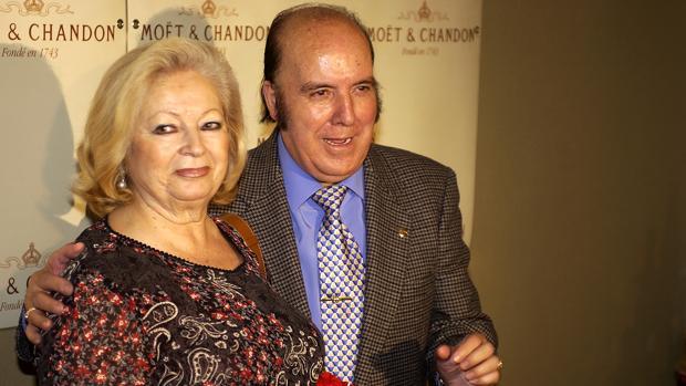Chiquito de la Calzada, desolado tras la muerte de su mujer Pepita García