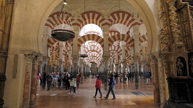 Bosque de columnas de la Mezquita-Catedral de Córdoba