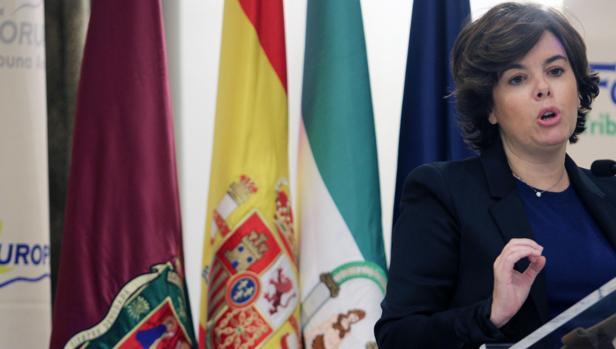 Soraya Sáenz de Santamaría durante su intervención este lunes en un desayuno informativo en Málaga