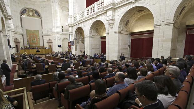 Aspecto del salón de plenos del Parlamento durante el debate del Estado de la Comunidad