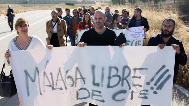 Manifestación en Málaga en contra de los centros de internamiento