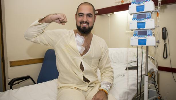 El joven Marcos Rosa, en el hospital
