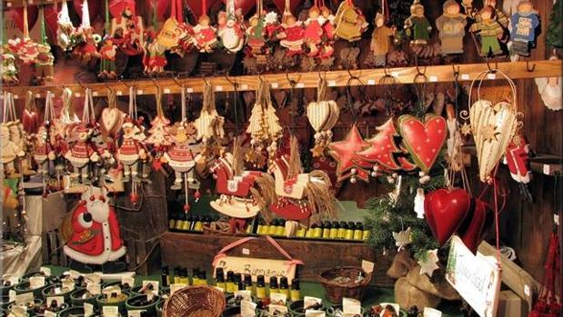 Artículos a la venta en el Mercado Navideño