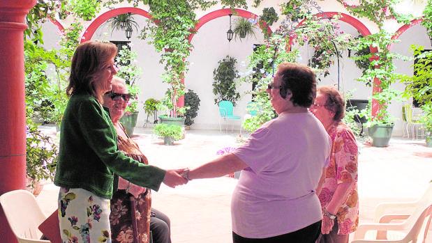 La alcaldesa de Montoro, Ana María Romero (PSOE), en el equipamiento