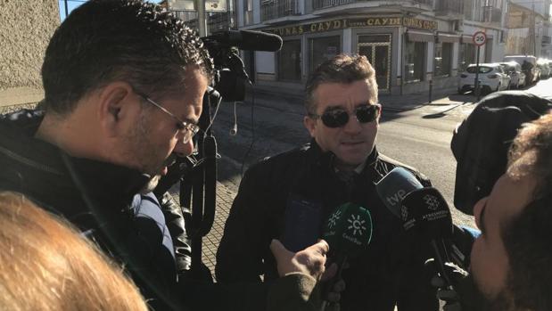 Blas Arévalo, abogado de la denunciante, a la salida del juzgado de Pozoblanco