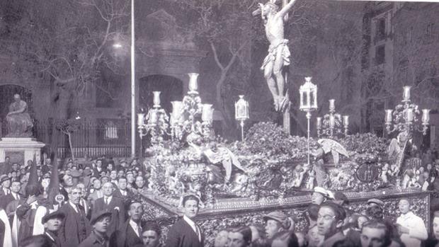 El Cachorro, sobre el paso que talló en 1929 Antonio Castrillo Lastrucci
