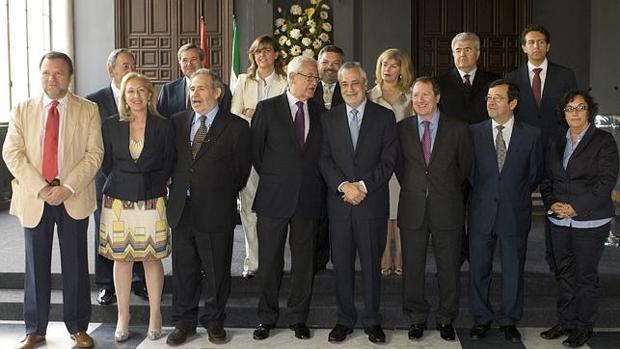 Griñán, en la toma de posesion de los nuevos consejeros en 2011