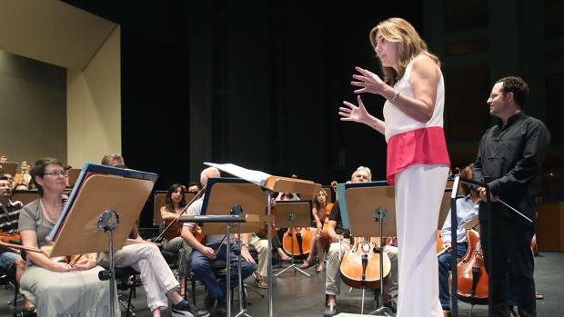 Susana Díaz, en un ensayo de la Orquesta Sinfónica de Sevilla