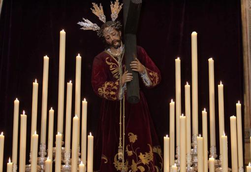 El Señor del Calvario con la túnica de corinto