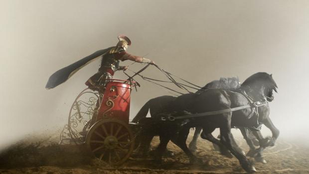 Escena de la famosa carrera de cuádrigas en la película Ben-Hur