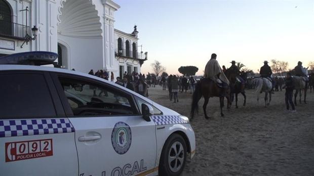 Patrulla de la Policía Local de Almonte