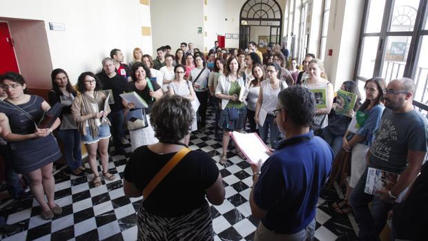 Opositores a profesor de Secundaria en la Facultad de Económicas de Sevilla