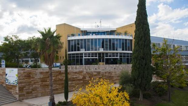Uno de los primeros edificios construidos en el PTA de Málaga