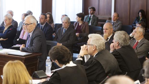 El exinterventor general de la Junta, Manuel Gómez, responde las preguntas del fiscal