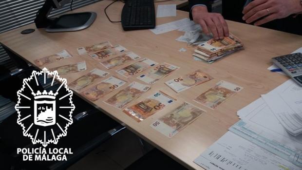 Dinero encontrado por el mensajero, que lo entregó a la Policía Local de Málaga