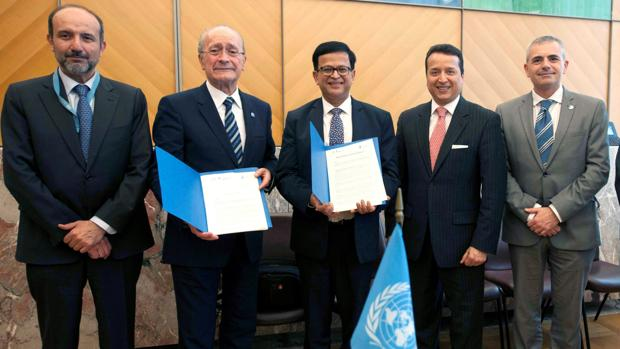 Francisco de la Torre, junto al subsecretario general de Naciones Unidas, Nikhil Seth