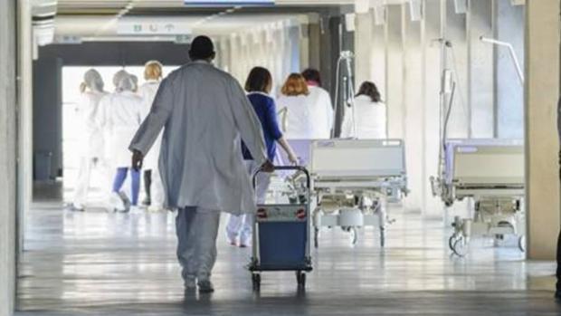 Los sanitarios en Andalucía reciben de media 2,4 agresiones al día