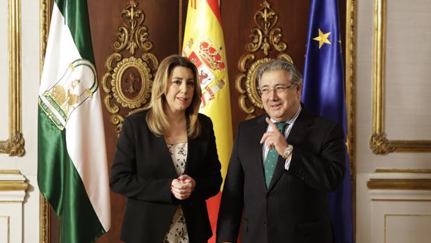 Hemeroteca: Zoido y Susana Díaz unen fuerzas por la seguridad en el Campo de Gibraltar   Autor del artículo: Finanzas.com