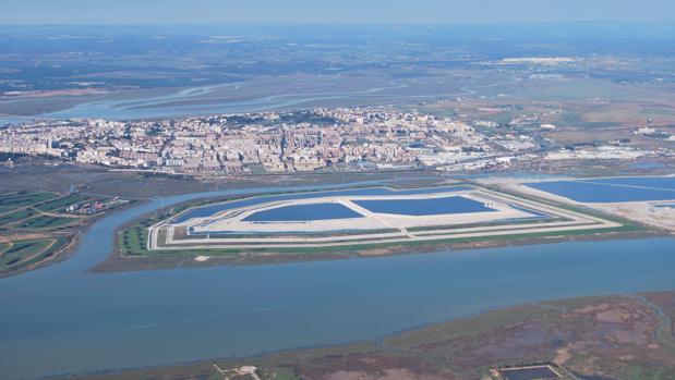 Imagen aérea de las balsas de fosfoyesos de Huelva