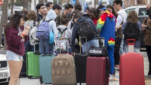 El Festival Village es la excusa de 10.000 jóvenes portugueses para pasar unas vacaciones en Punta Umbría