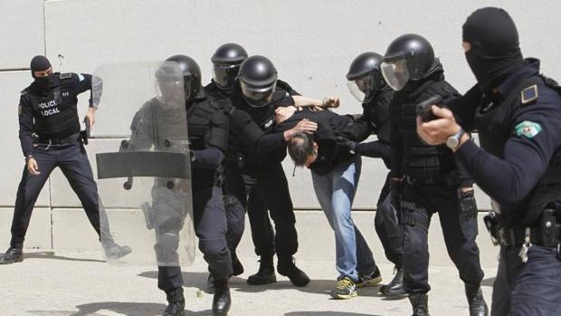 Exhibición de la Policía Local de Málaga