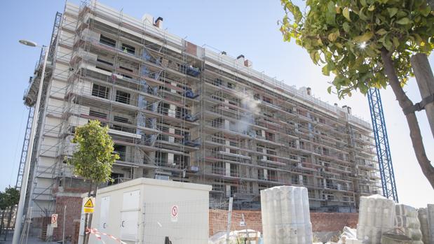 Constructores arquitectos y aparejadores se al an ante los retrasos en las licencias de - Arquitectos en cordoba ...