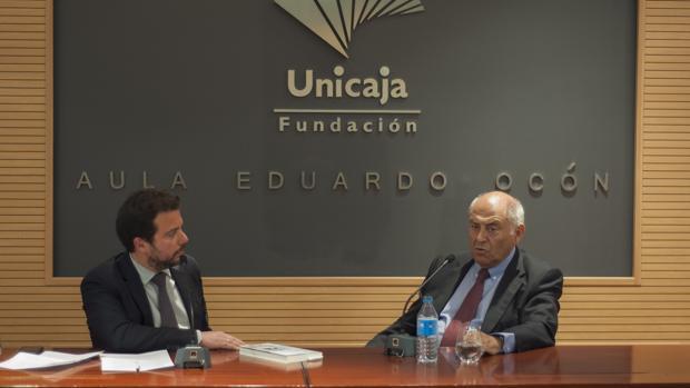 José Antonio Marina, junto a Fernando del Valle presentando su último libro en Málaga