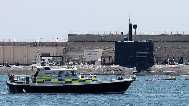 El submarino nuclear Tireless, en la base naval de Gibraltar en 2013