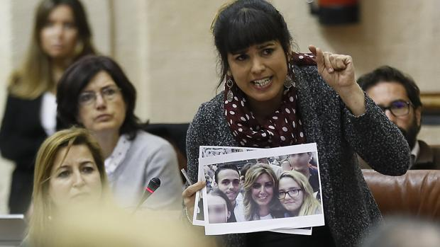 La portavoz de Podemos, Teresa Rodríguez, en sede parlamentaria
