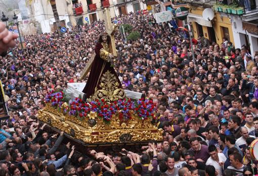 El Nazareno de Priego en una de sus salidas procesionales