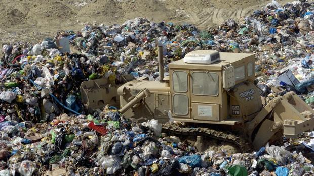 Imagen de archivo de una planta de reciclaje en Granada